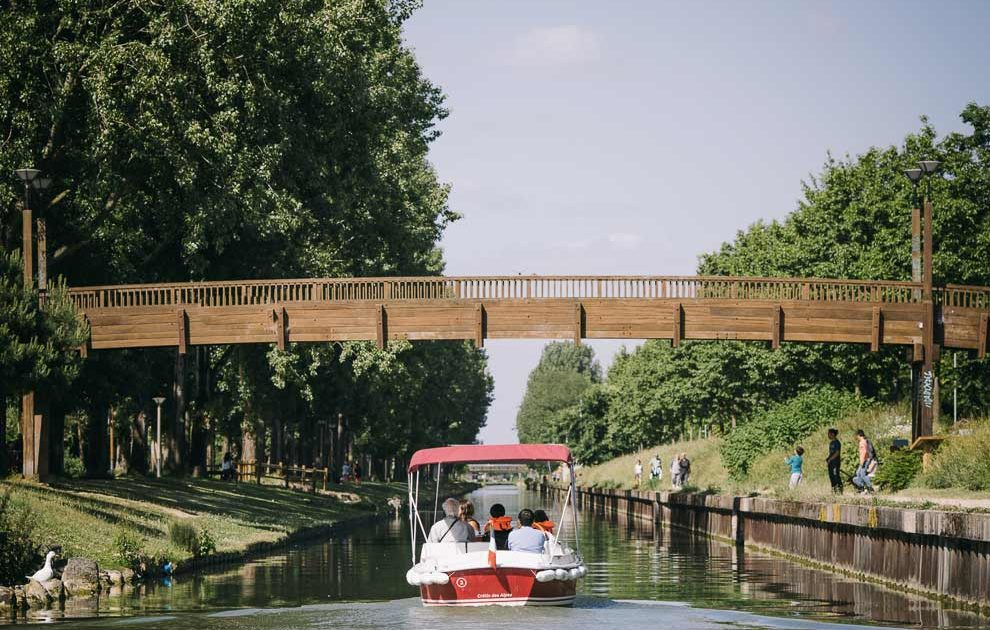 A trip on the Marne River with an electric, licence-free boat