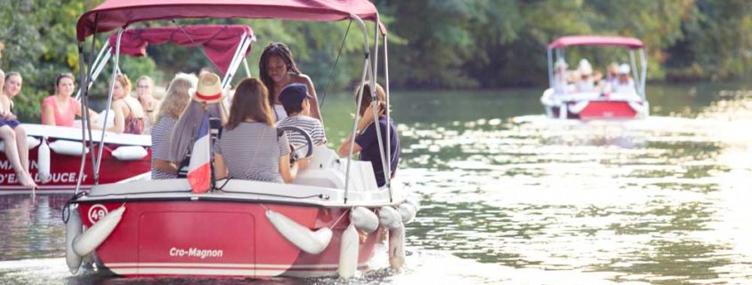 Come and rent an electric boat and without license on the Deule