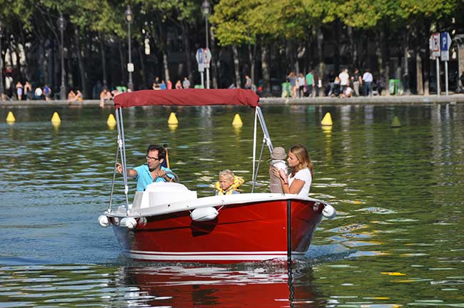 Boating with Marin D'Eau Douce in Paris