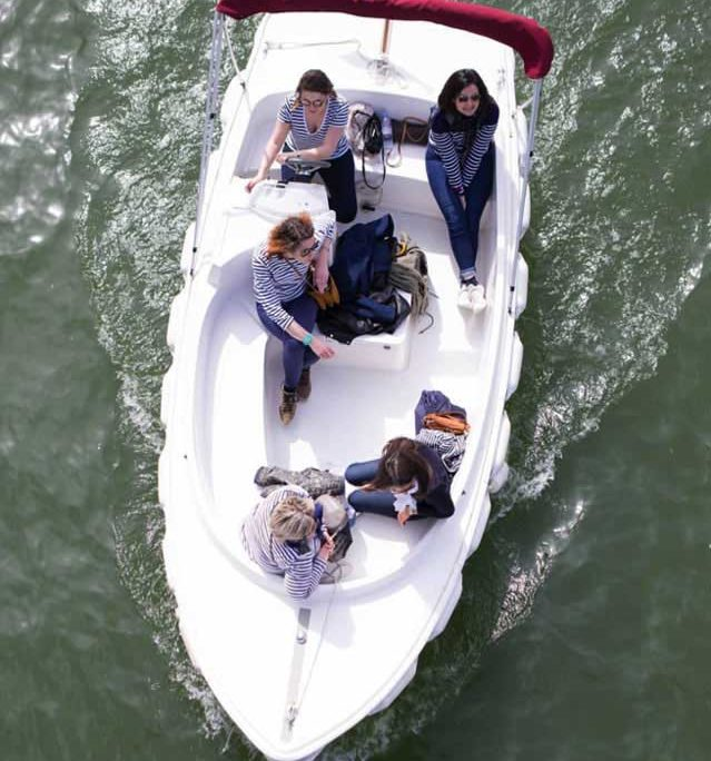 Discover Strasbourg on our electric and license free boats