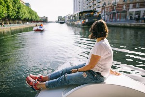 A girl in jaunt on the Canal de l'Ourcq