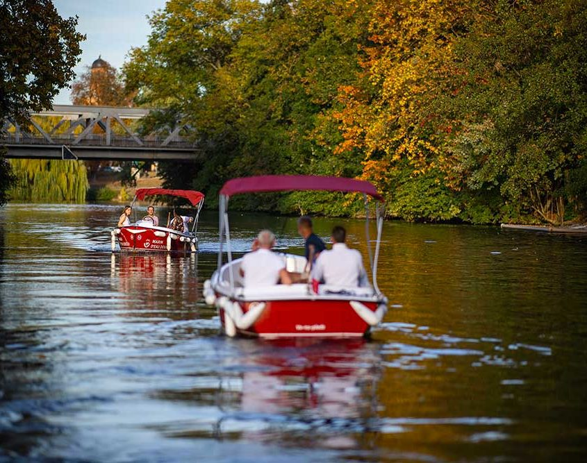 Ride with your friends near Strasbourg on our boats
