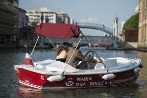 A romantic outing by boat