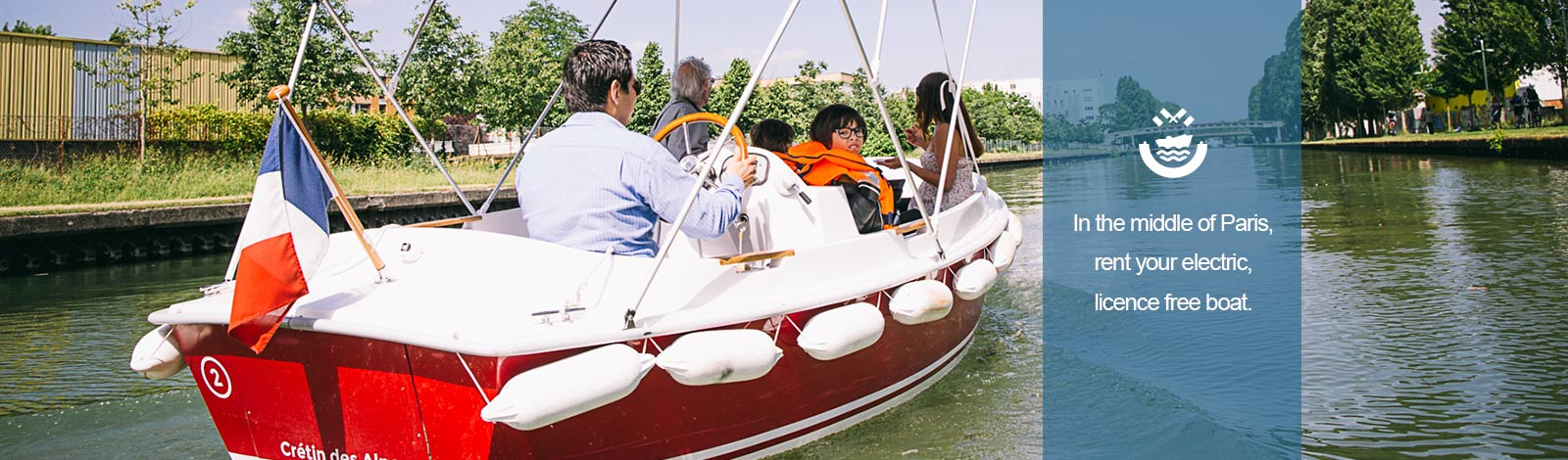 Family sailing on electric, licence free boat